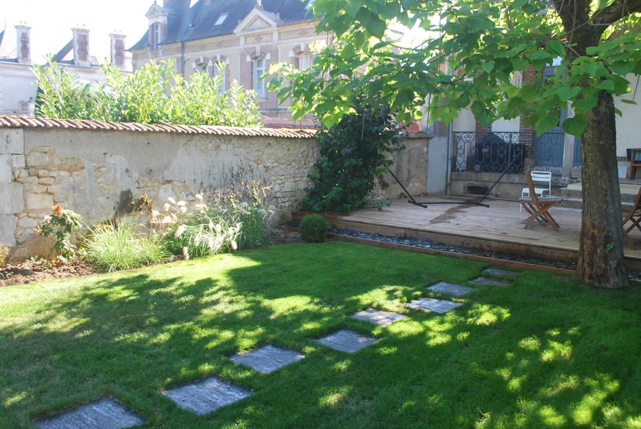 terrasse bois et jardin à Auxerre