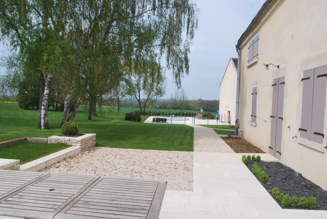 terrasse en pierre naturelle création terrasse en pierre avec espace