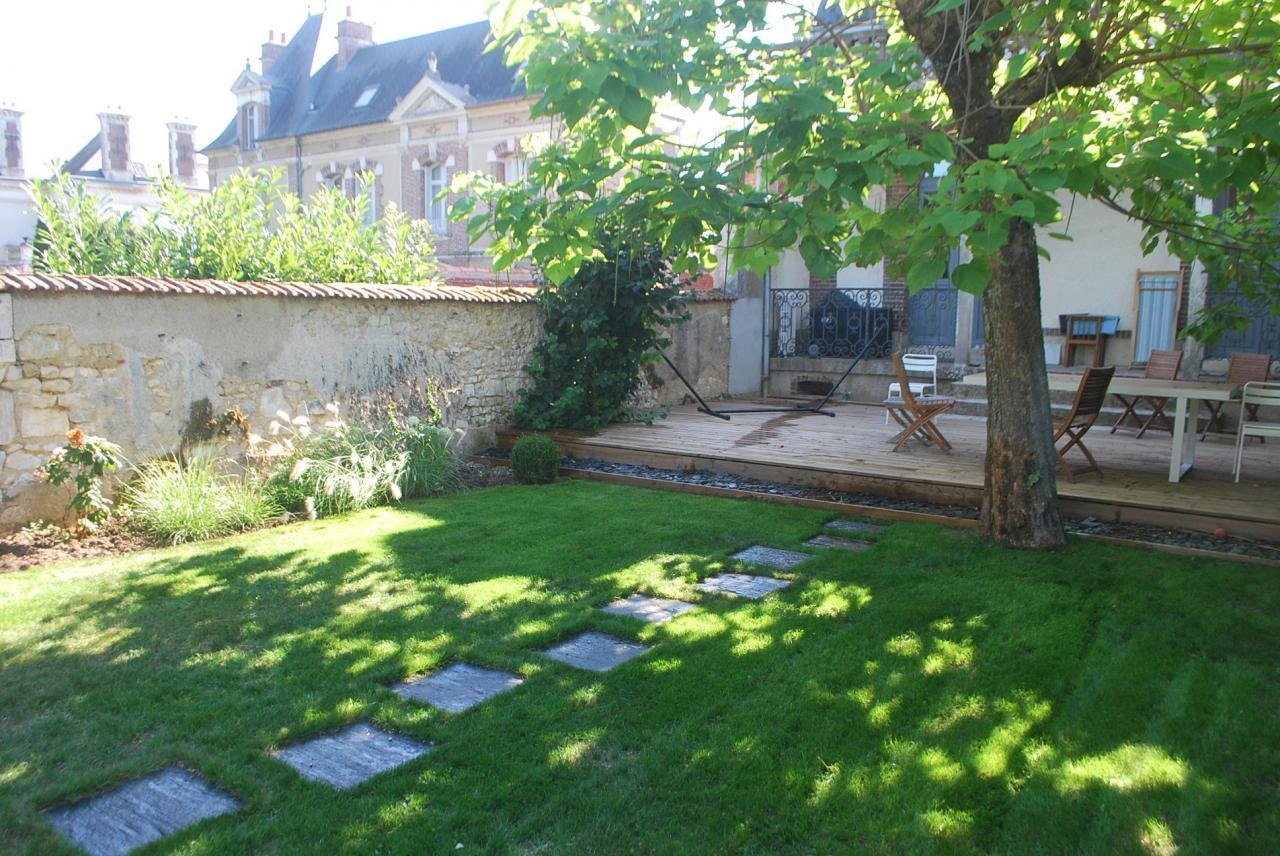 Terrasse bois et jardin Auxerre