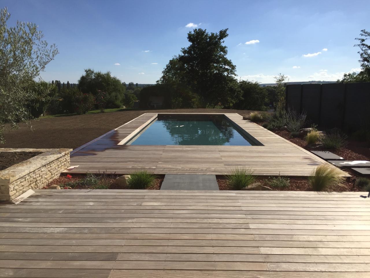 piscine plage en bois