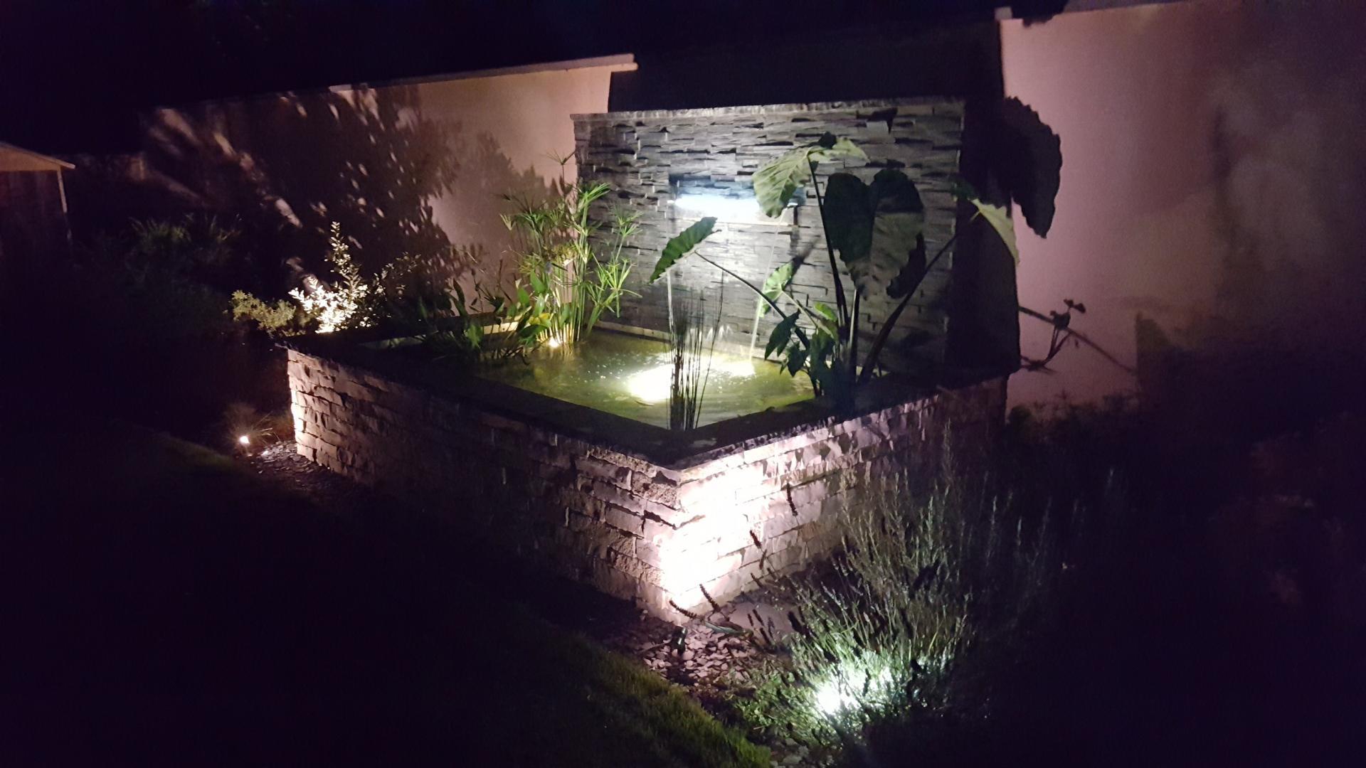 Fontaine contemporaine à Auxerre
