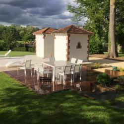 Terrasse bois et salon extérieur à Auxerre